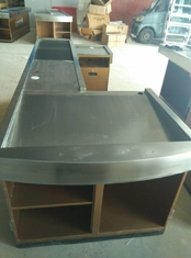 Automatic Conveyor Belt Checkout Counter Stands With Stainless Steel Border