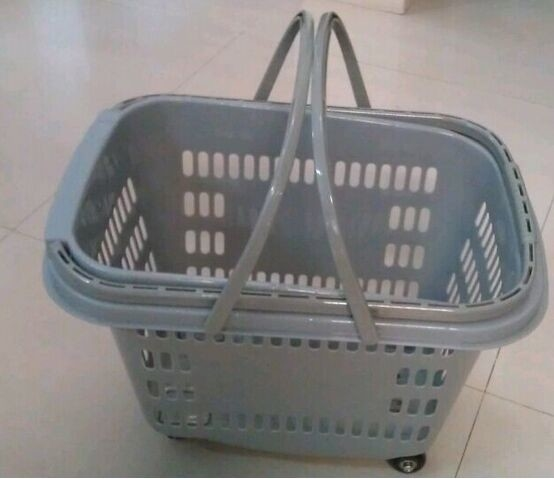Stackable Rolling Plastic Hand Shopping Basket / Grocery Basket With Wheels
