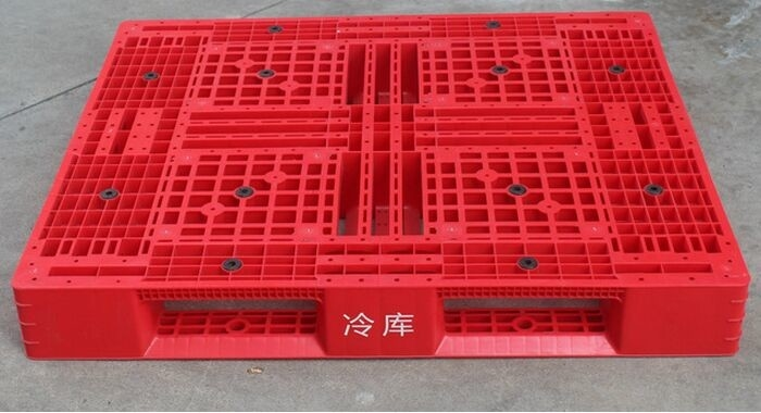 Durable Cold Room Food Grade Storage Plastic Pallet With Steel Tube
