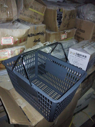 Durable Plastic Hand Shopping Basket For Supermarket / Store , 30 Litres Volume