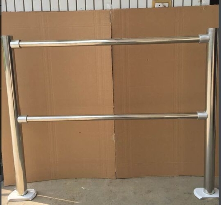 China Silver Supermarket Accessories Anti - Rust  Handrail Fence Outdoor With Shed distributor