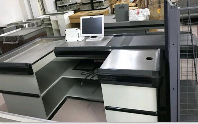 Automatic Electric Checkout Counter With Conveyor Belt / Retail Cash Counter